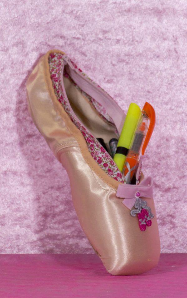 trousse chausson de la marque lydie danse